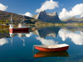 boats-fishing-lake-mountains-clearly-freshness